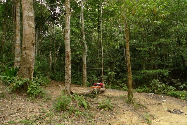 The campsite is just about 10 minutes ride from Ulu Yam town. Normally